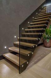 Дешевые изделия от производителя из стекла,  дерева. Лестницы.